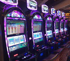 Playing Gambling Games on Totally Free Slot Machines